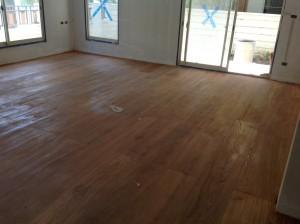 จำหน่ายไม้พื้นรางลิ้นและรับปูขัดทาทำสีไม้พื้นจังหวัดเลย (12)