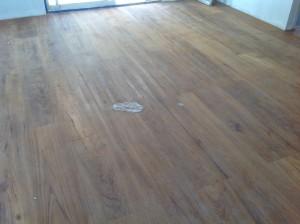 จำหน่ายไม้พื้นรางลิ้นและรับปูขัดทาทำสีไม้พื้นจังหวัดเลย (14)
