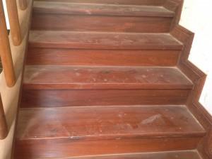 จำหน่ายไม้พื้นรางลิ้นและรับปูขัดทาทำสีไม้พื้นจังหวัดเลย (15)