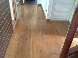 จำหน่ายไม้พื้นรางลิ้นและรับปูขัดทาทำสีไม้พื้นจังหวัดเลย (17)