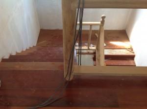 จำหน่ายไม้พื้นรางลิ้นและรับปูขัดทาทำสีไม้พื้นจังหวัดเลย (19)