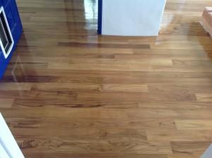 จำหน่ายไม้พื้นรางลิ้นและรับปูขัดทาทำสีไม้พื้นจังหวัดเลย (20)