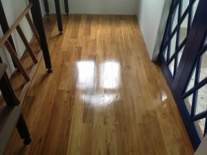 จำหน่ายไม้พื้นรางลิ้นและรับปูขัดทาทำสีไม้พื้นจังหวัดเลย (21)