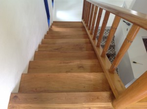 จำหน่ายไม้พื้นรางลิ้นและรับปูขัดทาทำสีไม้พื้นจังหวัดเลย (24)