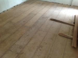 จำหน่ายไม้พื้นรางลิ้นและรับปูขัดทาทำสีไม้พื้นจังหวัดเลย (25)