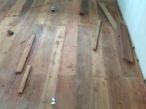 จำหน่ายไม้พื้นรางลิ้นและรับปูขัดทาทำสีไม้พื้นจังหวัดเลย (26)