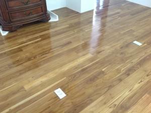 จำหน่ายไม้พื้นรางลิ้นและรับปูขัดทาทำสีไม้พื้นจังหวัดเลย (29)