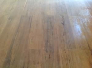 จำหน่ายไม้พื้นรางลิ้นและรับปูขัดทาทำสีไม้พื้นจังหวัดเลย (8)